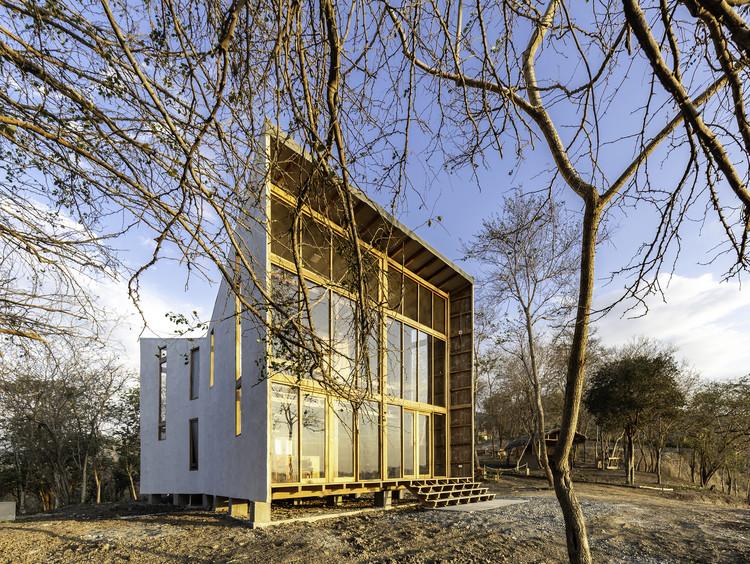 Casa Don Juan / Emilio López Arquitecto, © Jag Studio