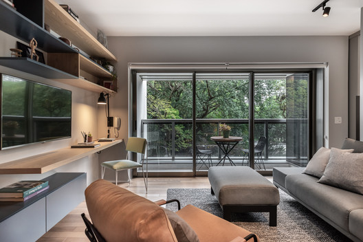 Retrofit Apartment / SuperLimão Studio