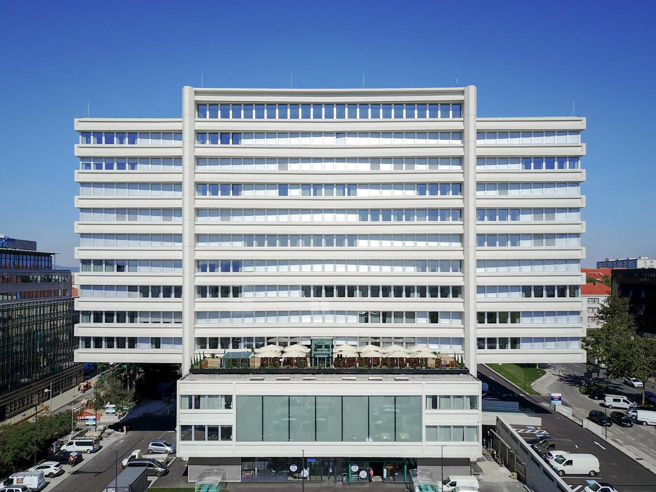 Refurbishment Philips-Haus / Josef Weichenberger architects + Partner
