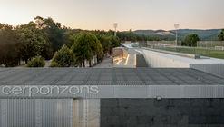 Cerponzóns Football Field / Santos y Mera Arquitectos
