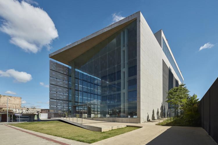 Metalworkers' Union Headquarters / Gustavo Penna Arquiteto e Associados, © Jomar Bragança