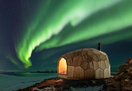 Hammerfest Hiking Cabins / SPINN Arkitekter