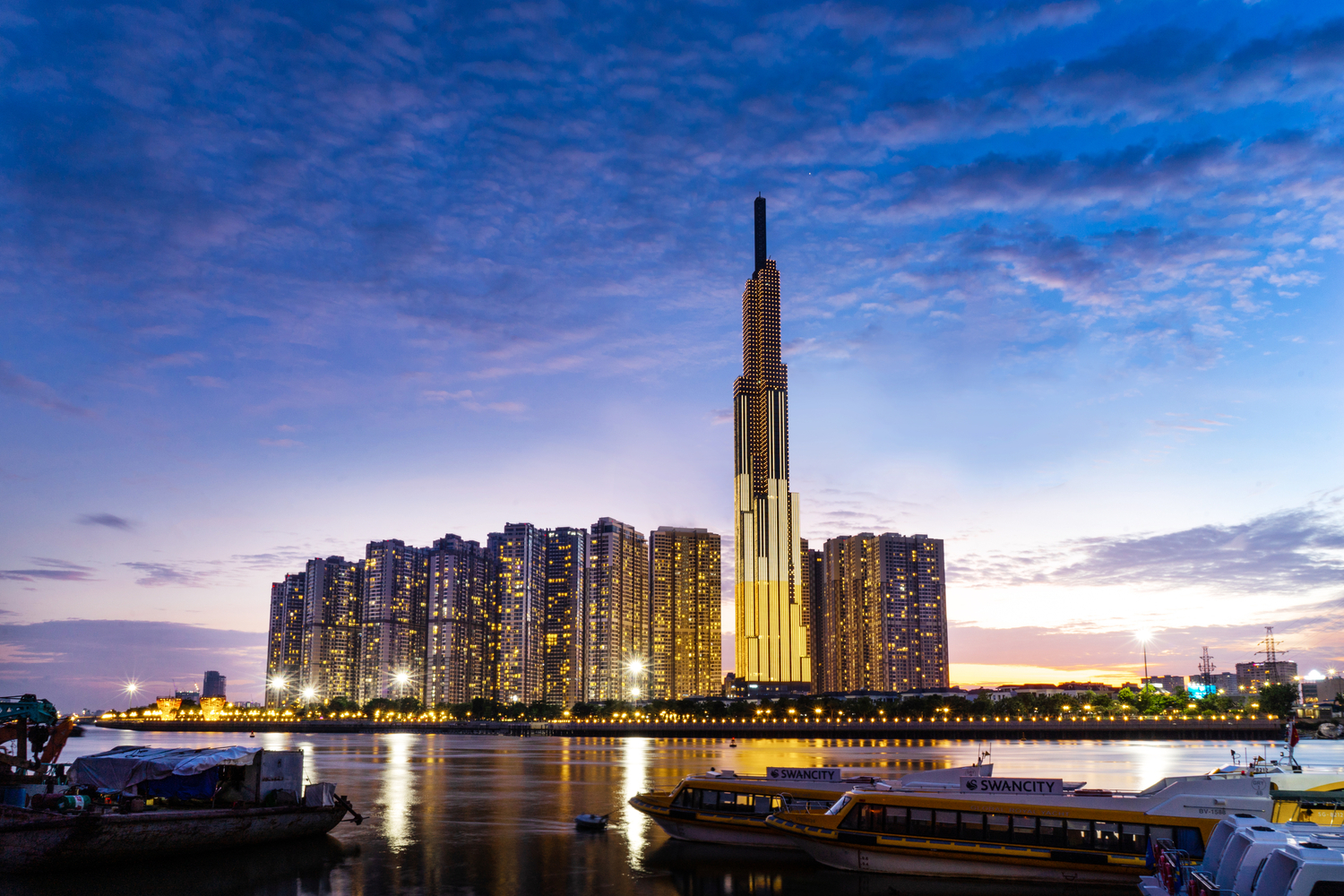 These Are the World's 25 Tallest Buildings,Vincom Landmark 81. Image © ngoc tran / Shutterstock