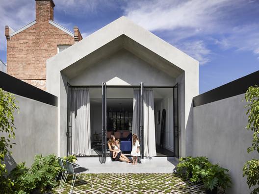 Casa Atrio  / Biasol