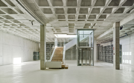 Bodega y Sede Casa Rojo / Srta. Rottenmeier Estudio de Arquitectura