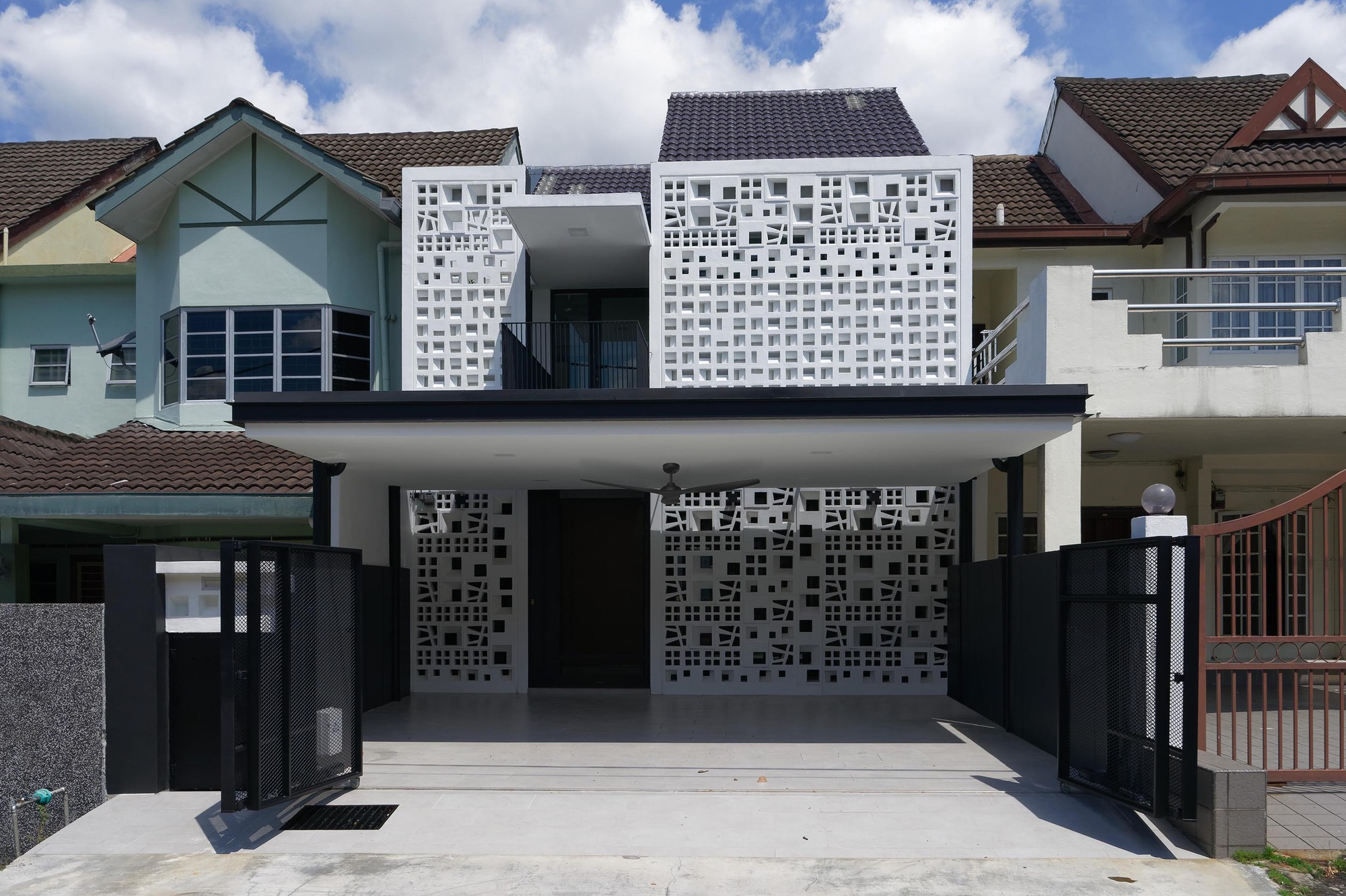 Facade House Traditional Modern