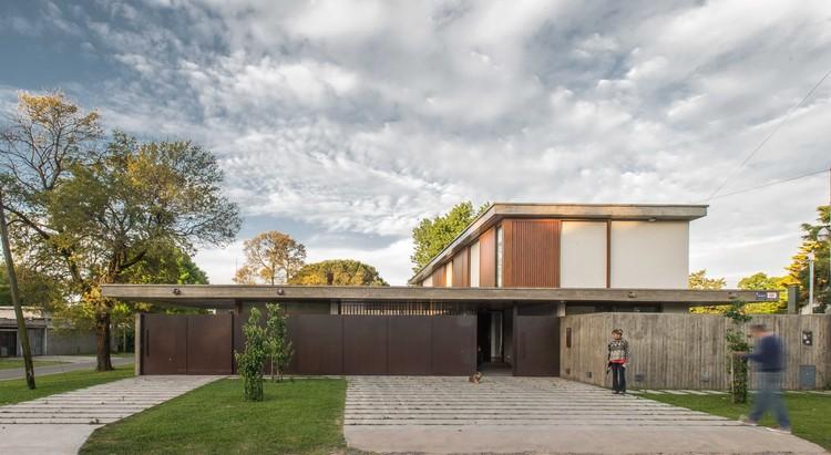 Casa Fluxa / Gianserra + Lima arquitectos, © Luis Barandiarán