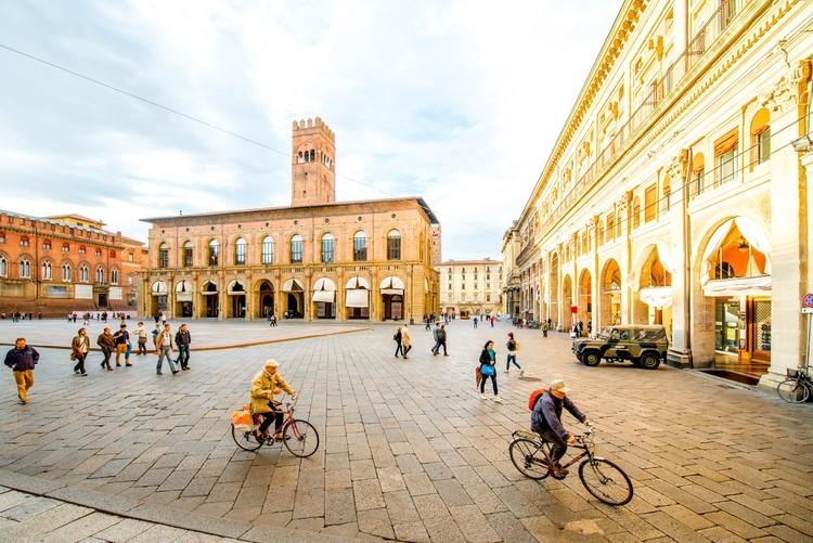 Bolonha oferece cerveja e sorvete para quem deixar o carro em casa, Bolonha, Itália. Image © CicloVivo