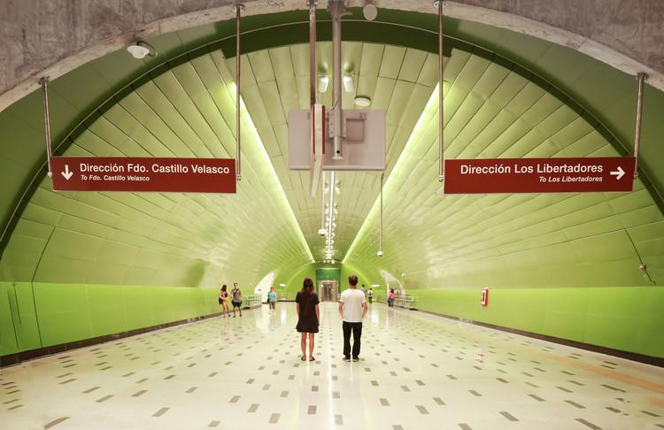 Línea 3 de Metro de Santiago bajo la mirada de María González, © María González