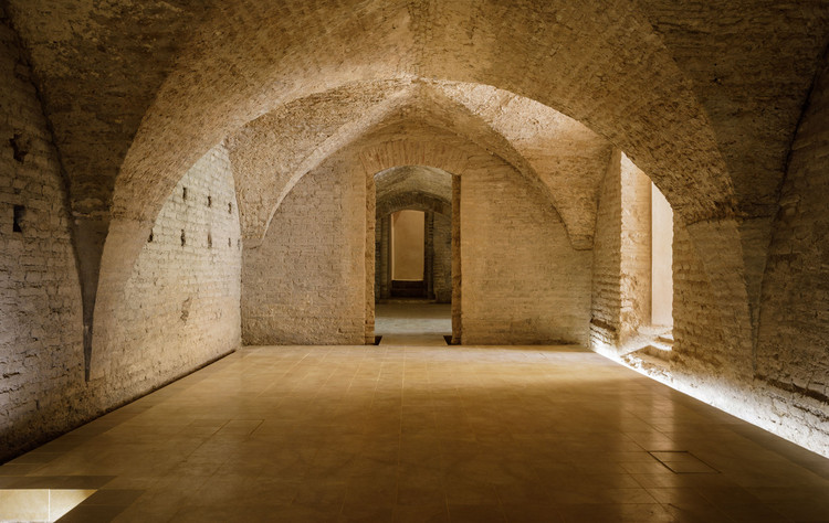 Intervention in the Basins of the Mudéjar Palace of Real Alcázar De Sevilla / Reina & Asociados, © Fernando Alda