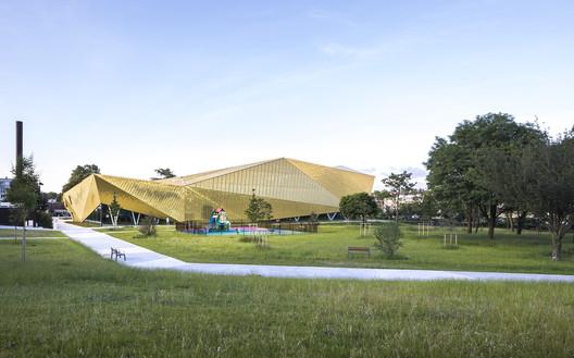 La Fontaine Sports Complex / archi5 + Tecnova Architecture