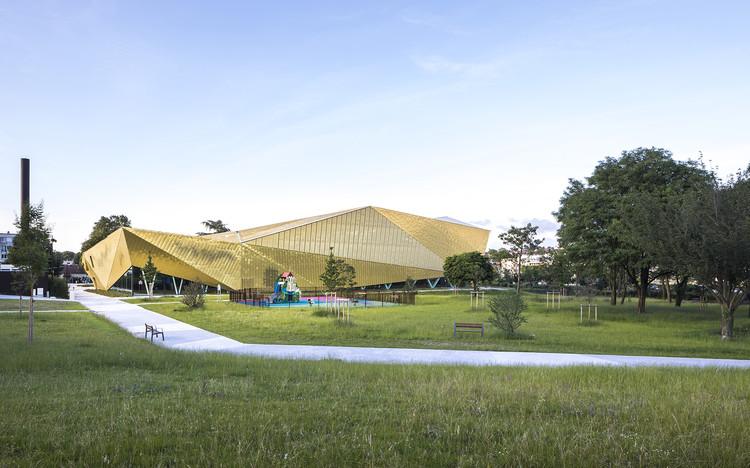Complexo Esportivo La Fontaine / archi5 + Tecnova Architecture, © Sergio Grazia