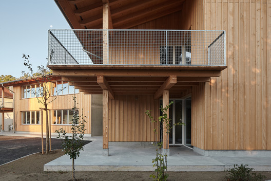 Apartment Building Deitingen / luna productions