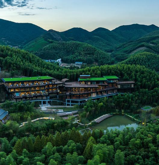 HUIXIN Hotel. Image © Yu Chen