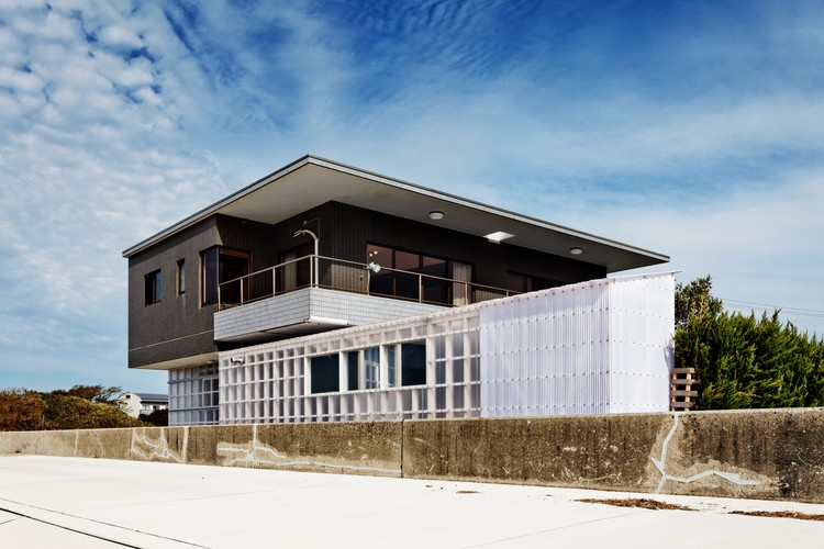 Renovated a Seaside Villa / nanometer architecture, © Ryuji Inoue