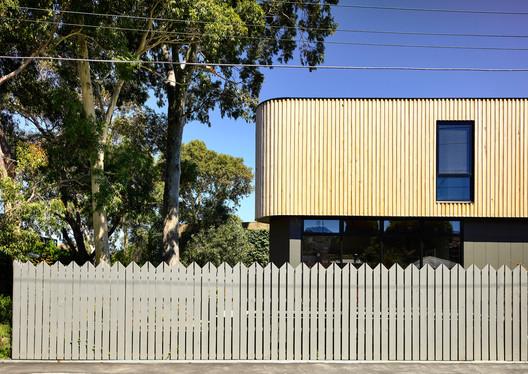 Triangle House / Molecule Studio