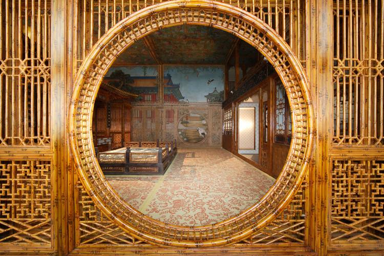 Cidade Proibida de Pequim abrirá o Jardim Qianlong ao público pela primeira vez, Antes da Reforma Juanqinzhai Moon Gate. Imagem via World Monuments Fund