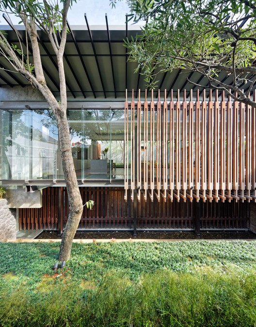 Casa no andar de cima / Wahana Architects, © Fernando Gomulya