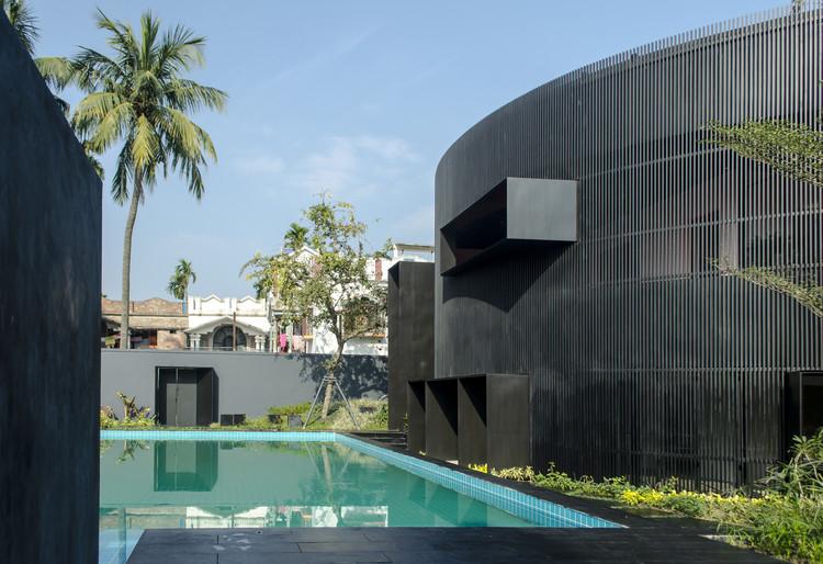 House of Sweeping Shadows / Abin Design Studio, © Samya Ghatak