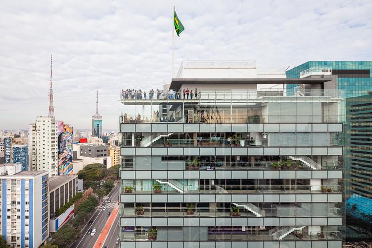 Primeiro episódio da série ARQ.DOC explora o alumínio na arquitetura e design , Sesc Avenida Paulista / Königsberger Vannucchi Arquitetos Associados. © Pedro Vannucchi