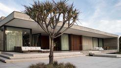 Casa M / F:Poles Arquitetura