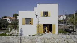 """""""Somewhere in Afife"""": narrativa visual apresenta o cotidiano de uma residência na costa de Portugal"""