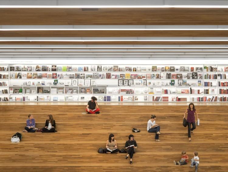 Lugares de encontro: 17 exemplos de arquibancadas na arquitetura, © Fernando Guerra | FG+SG