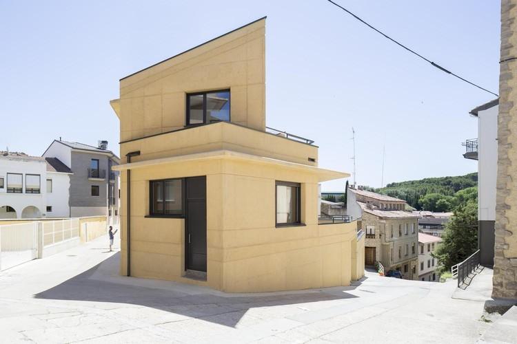 2 Houses in Lerin / azpilicueta arquitectura y paisaje. Image © Rubén Bescós