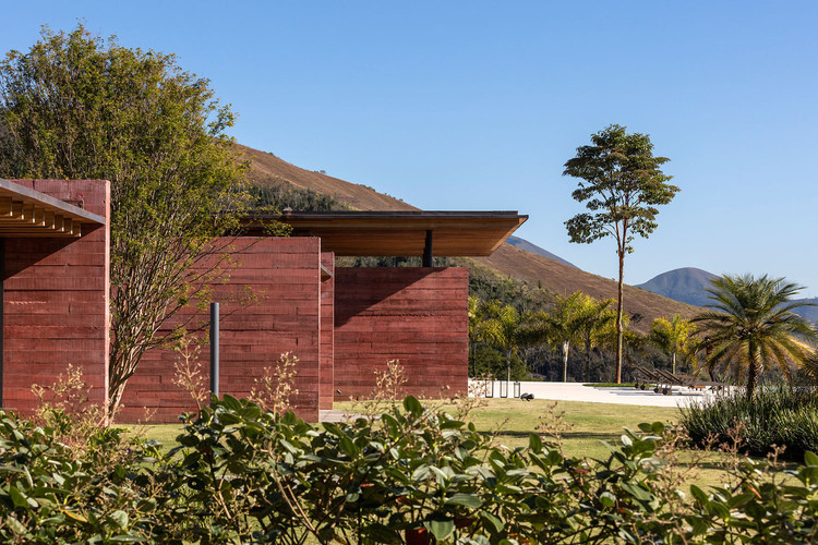 Casa Terra / Bernardes Arquitetura. Image © Leonardo Finotti