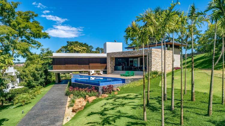 Casa LL / Dayala + Rafael Arquitetura, © Leandro Moura Estudio Onzeonze