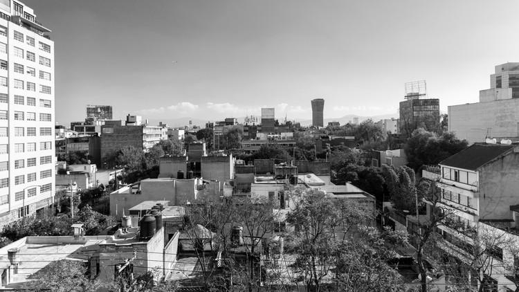 """Por que """"Roma"""" de Alfonso Cuarón é importante para construir a memória coletiva da Cidade do México?, Vista atual dos telhados da Col. Roma Sur. Imagem © Zaickz Moz"""