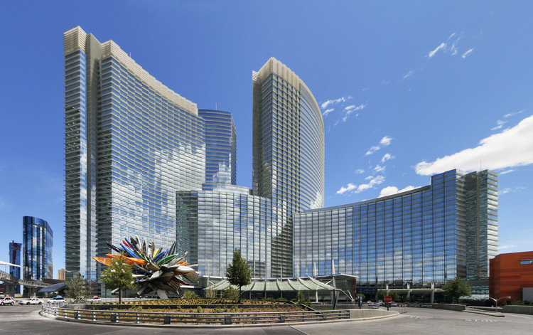 ARIA Resort & Casino / Pelli Clarke Pelli Architects, © Jeff Goldberg