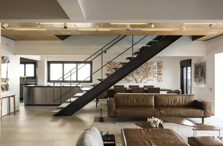 Apartamento TMK / kgb Studio + Saito Arquitetos, © Romulo Fialdini