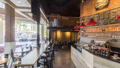 Beco do Café Città America / DV Arquitectura