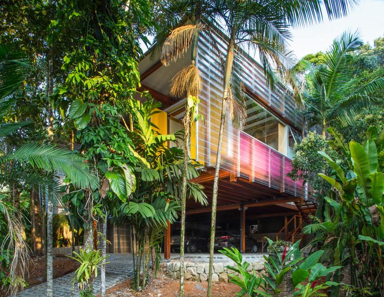 Casa Praia Vermelha / Nitsche Arquitetos, © André Scarpa
