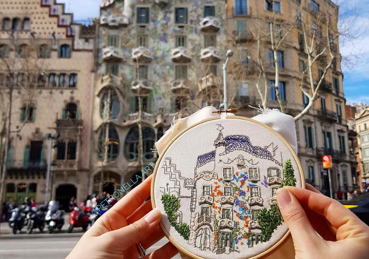 Architecture and Embroidery: Discover the Art of Elin Petronella and Charles Henry, © <a href='https://www.instagram.com/p/Bgql5NcFyKB/'>Instagram @petronella.art</a>