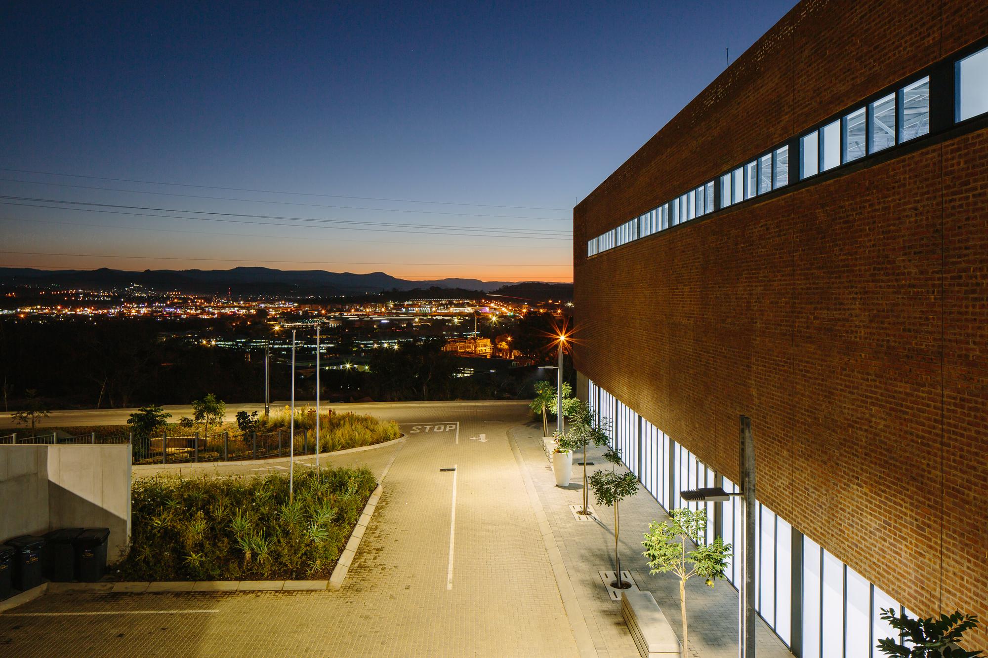 Gallery of University of Mpumalanga / GAPP Architects ...