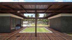 House Cot-Duá / Atelier Branco Arquitetura