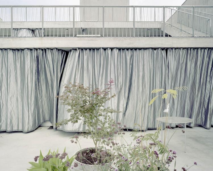 Terrassenhaus Berlin / Brandlhuber + Emde, Burlon + Muck Petzet. Image © Erica Overmeer