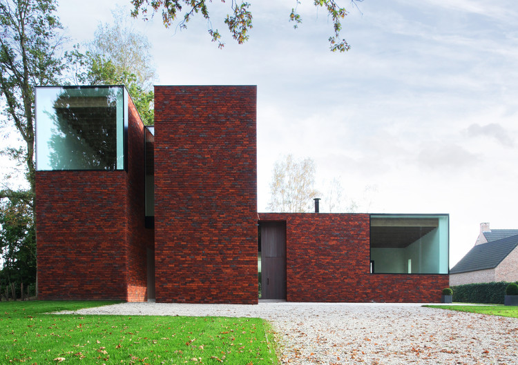 House VV / Iglesias-Leenders-Bylois Architecten, © Philippe Van Gelooven