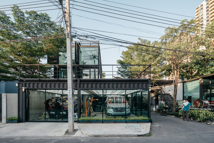 Centro automotriz Muangthongthani / Archimontage Design Fields Sophisticated, © Chaovarith Poonphol Photography