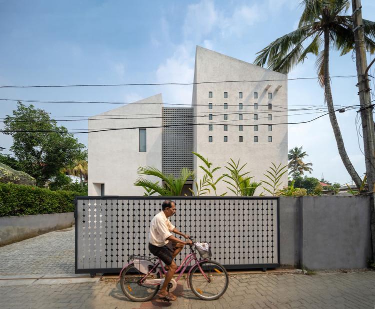 Maison Kochi / Meister Varma Architects, © Praveen Mohandas