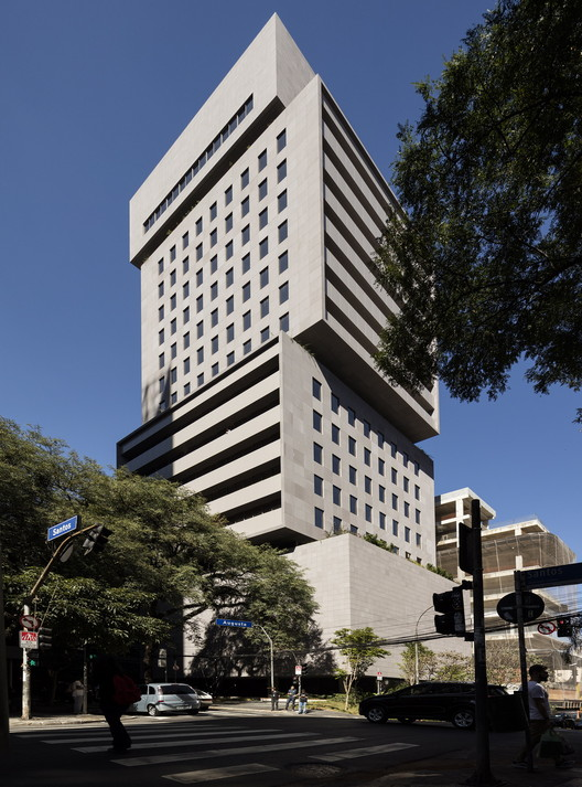Edificio Santos Augusta / Isay Weinfeld, © Fernando Guerra | FG+SG