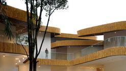 Nanshanli Hotel / Linjian Design Studio