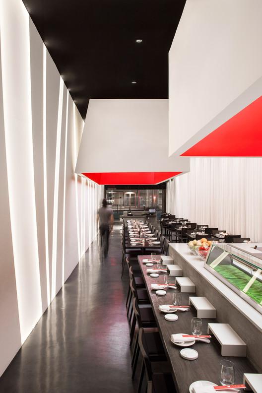 Yojisan Sushi / Dan Brunn Architecture