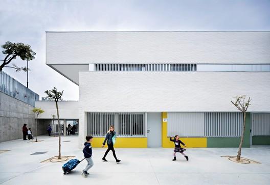 Colegio Público Indira Gandhi / Fresneda & Zamora Arquitectura