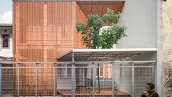Albizzia House / Aaksen Responsible Aarchitecture
