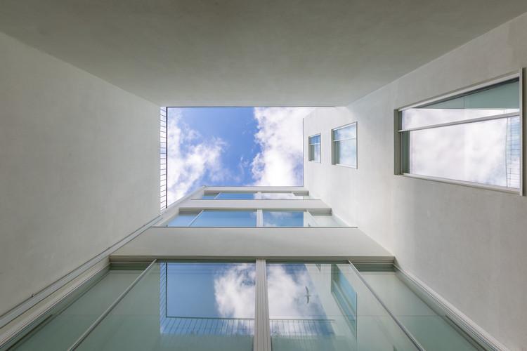 Edifício Residencial no Porto / Paula Santos, © João Ferrand