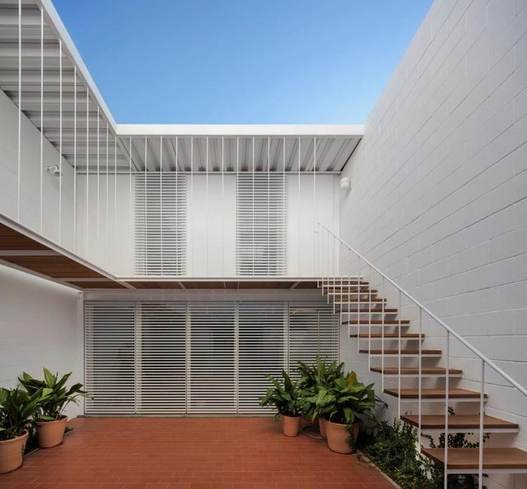 Seafront House / OAB, © Alejo Bagué