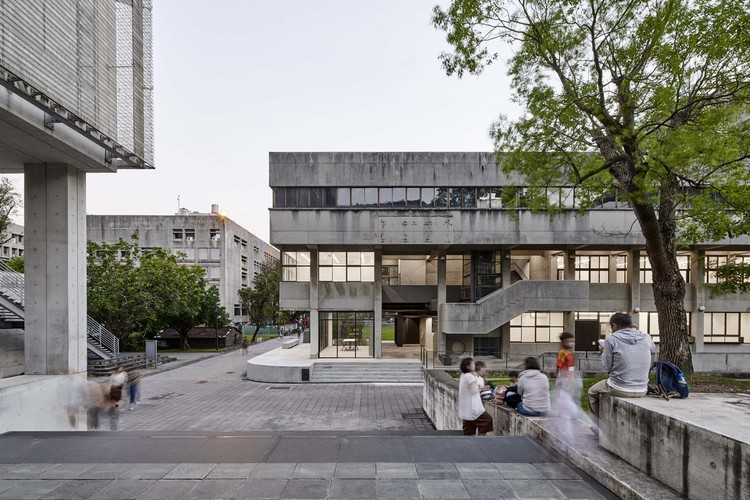 Shih Chien University Building B / Shen Ting Tseng architects, © Studio Millspace